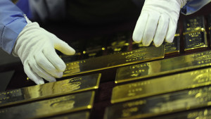 Why are Russia and China Buying Gold, Tons of it?